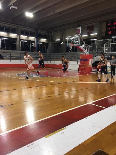 https://www.basketmarche.it/immagini_articoli/03-02-2019/silver-orvieto-stoppa-urbania-todi-recanati-avvicinano-bene-tolentino-marino-aesis-600.jpg