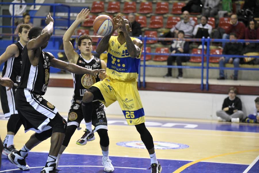 https://www.basketmarche.it/immagini_articoli/03-02-2020/niente-fare-troppo-alto-ostacolo-udine-poderosa-montegranaro-600.jpg
