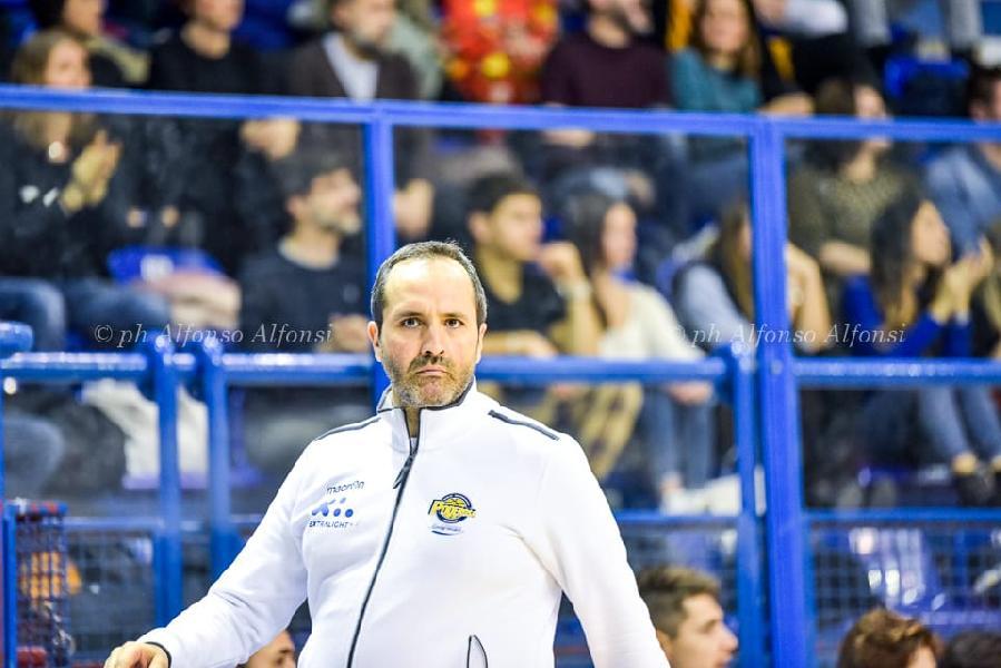 https://www.basketmarche.it/immagini_articoli/03-02-2020/poderosa-montegranaro-coach-carlo-udine-fatto-gara-eccellente-voglio-fare-plauso-miei-ragazzi-600.jpg