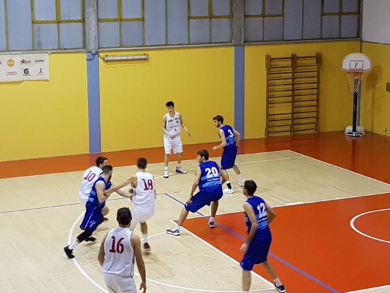 https://www.basketmarche.it/immagini_articoli/03-03-2019/super-ochereobia-trascina-pallacanestro-urbania-titano-marino-600.jpg