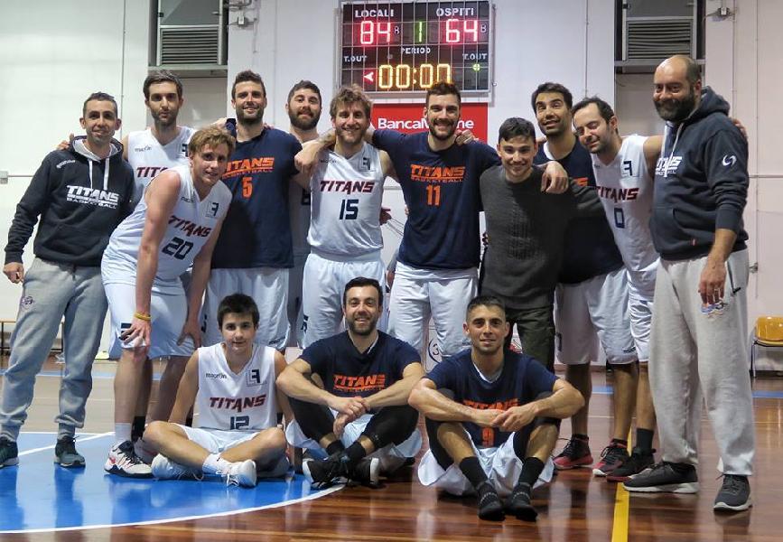 https://www.basketmarche.it/immagini_articoli/03-03-2019/titans-jesi-fermano-corsa-capolista-wildcats-pesaro-600.jpg