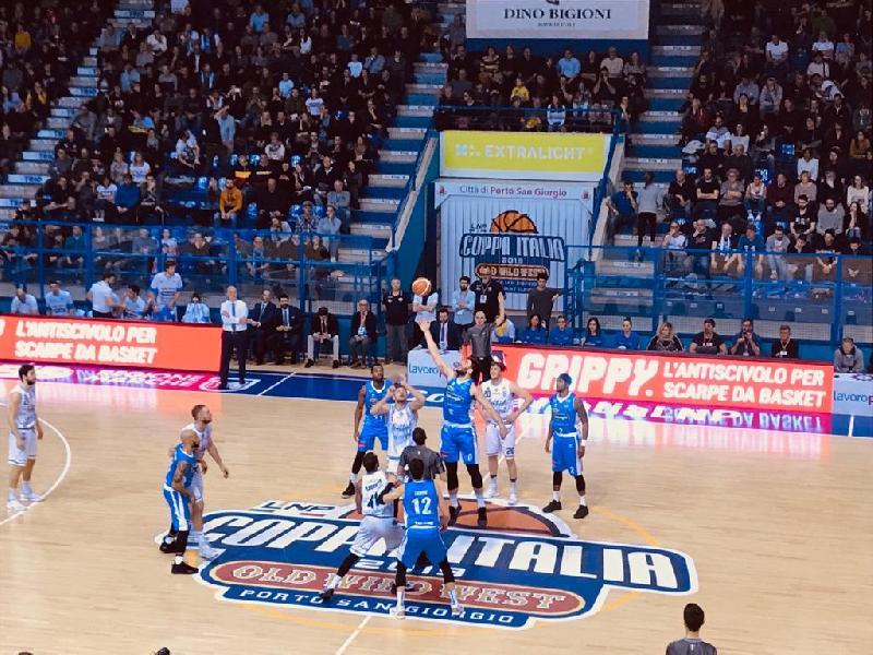 https://www.basketmarche.it/immagini_articoli/03-03-2019/treviso-basket-trionfa-aggiudica-coppa-italia-fortitudo-bologna-battuta-600.jpg