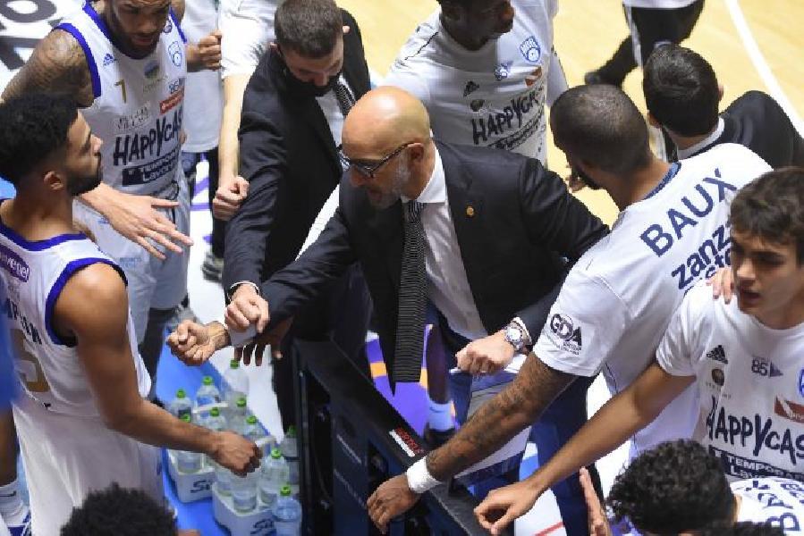 https://www.basketmarche.it/immagini_articoli/03-03-2021/happy-casa-brindisi-coach-vitucci-daremo-tutto-abbiamo-conquistare-final-eight-600.jpg