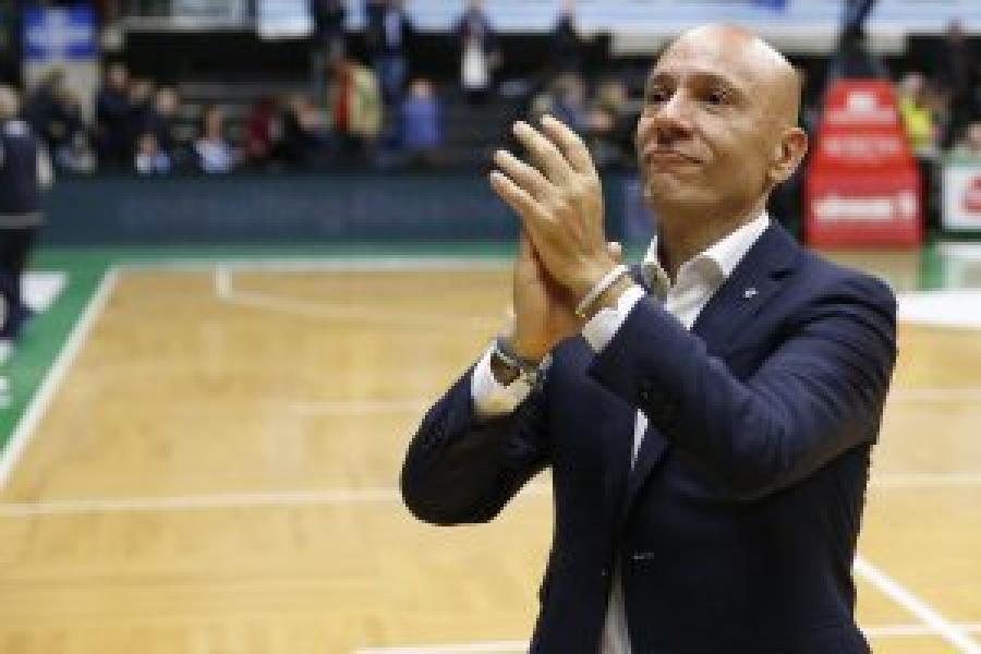 https://www.basketmarche.it/immagini_articoli/03-04-2020/dinamo-sassari-stefano-sardara-stop-pesa-nostro-budget-dobbiamo-riscrivere-regole-sostenibilit-600.jpg
