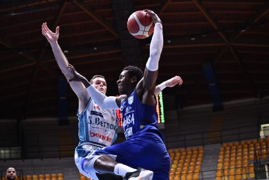 https://www.basketmarche.it/immagini_articoli/03-04-2021/happy-casa-brindisi-aggiornamento-sulle-condizioni-fisiche-ousman-krubally-600.jpg