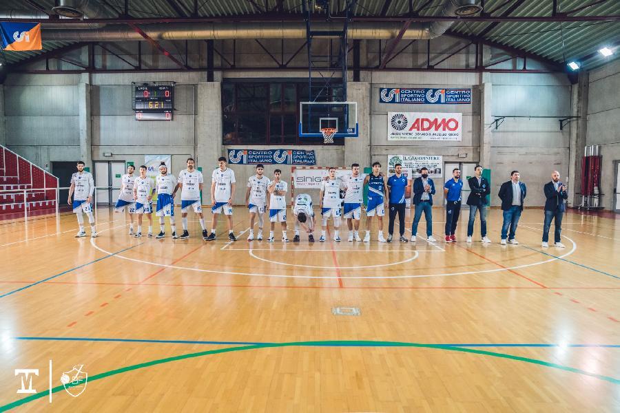https://www.basketmarche.it/immagini_articoli/03-04-2021/janus-fabriano-paolo-fantini-partita-vicenza-momento-giocarla-molto-difficile-600.jpg