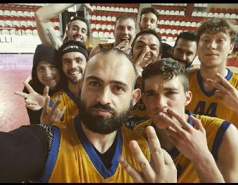 https://www.basketmarche.it/immagini_articoli/03-05-2018/coppa-csi-la-sambenedettese-basket-espugna-teramo-e-vola-in-finale-270.jpg