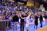 https://www.basketmarche.it/immagini_articoli/03-05-2018/serie-b-nazionale-playout-lo-janus-fabriano-non-fallisce-e-conquista-la-salvezza-120.jpg