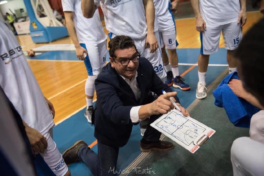https://www.basketmarche.it/immagini_articoli/03-05-2019/janus-fabriano-coach-fantozzi-stata-stagione-eccellente-abbiamo-fatto-grande-lavoro-600.jpg