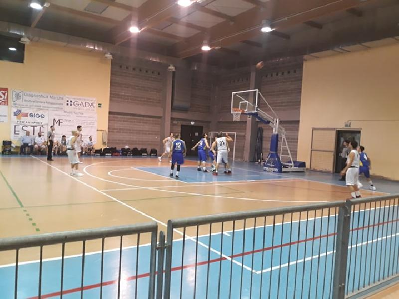 https://www.basketmarche.it/immagini_articoli/03-05-2019/prima-divisione-playoff-gara-parte-forte-polverigi-basket-adriatico-ancona-corsaro-600.jpg