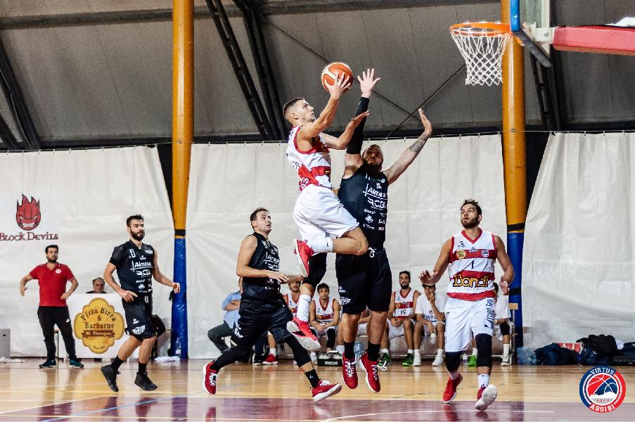 https://www.basketmarche.it/immagini_articoli/03-05-2019/silver-playoff-presentazione-virtus-assisi-airino-termole-statistiche-parole-allenatori-600.jpg