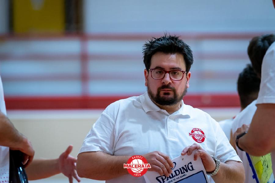 https://www.basketmarche.it/immagini_articoli/03-05-2021/basket-macerata-coach-brachetti-emozionante-tornare-campo-soddisfatto-risultato-positivo-600.jpg