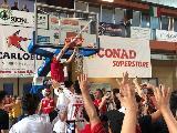 https://www.basketmarche.it/immagini_articoli/03-06-2019/vasto-basket-estasi-goran-oluic-regala-promozione-gold-120.jpg