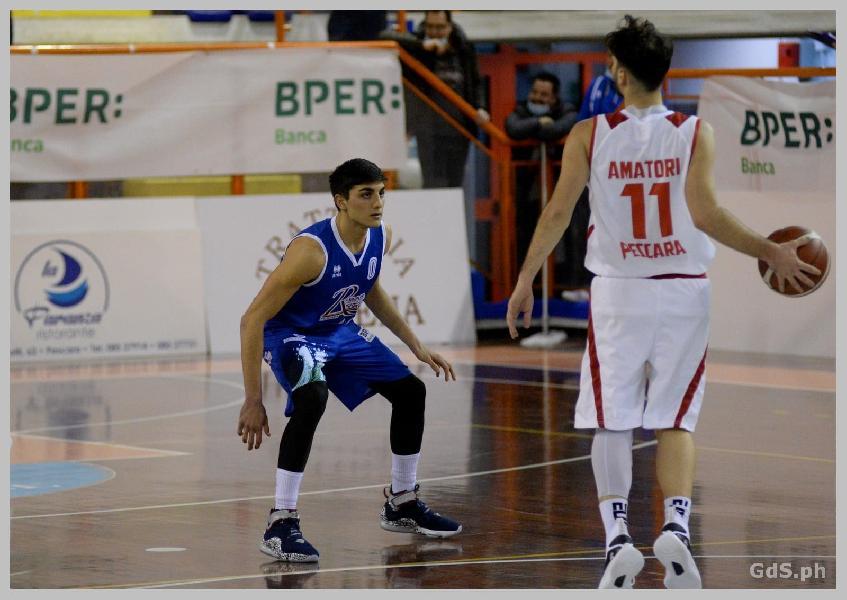 https://www.basketmarche.it/immagini_articoli/03-06-2021/pescara-basket-anche-terzo-derby-stagionale-amatori-pescara-1976-600.jpg