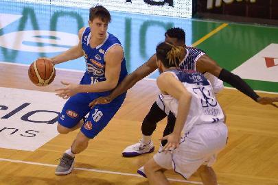 https://www.basketmarche.it/immagini_articoli/03-07-2018/serie-a2-ufficiale-la-poderosa-montegranaro-firma-l-esterno-matteo-negri-270.jpg