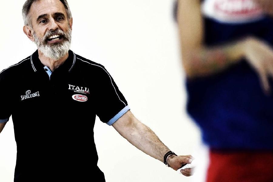 https://www.basketmarche.it/immagini_articoli/03-07-2019/eurobasket-woman-2019-coach-crespi-orgoglioso-questo-gruppo-futuro-brillante-600.jpg