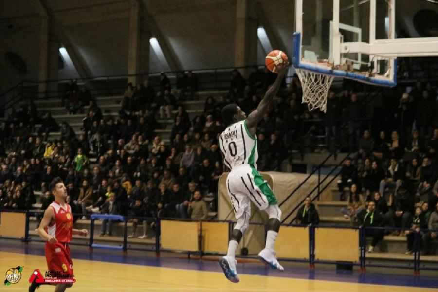 https://www.basketmarche.it/immagini_articoli/03-07-2019/ufficiale-basket-corato-conferma-esterno-idiaru-600.jpg