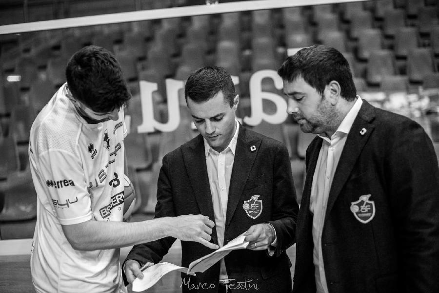 https://www.basketmarche.it/immagini_articoli/03-07-2020/janus-fabriano-lascia-lassistente-orazio-cutugno-capo-allenatore-basket-gubbio-600.jpg