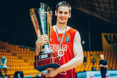 https://www.basketmarche.it/immagini_articoli/03-08-2018/serie-a2-poderosa-montegranaro-danilo-petrovic-è-un-nuovo-giocatore-gialloblu-270.jpg