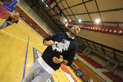 https://www.basketmarche.it/immagini_articoli/03-08-2018/serie-c-silver-l-aesis-jesi-conferma-matteo-mastri-nel-proprio-staff-tecnico-270.jpg