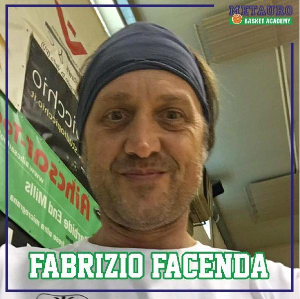 https://www.basketmarche.it/immagini_articoli/03-08-2019/colpaccio-progetto-basket-metauro-academy-ufficiale-larrivo-fabrizio-bicio-facenda-600.jpg