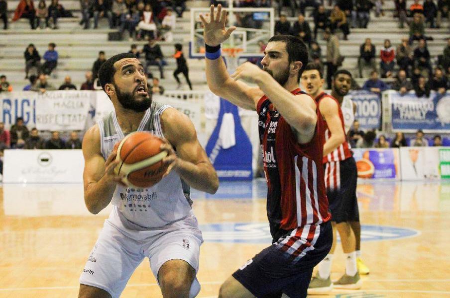 https://www.basketmarche.it/immagini_articoli/03-08-2019/ufficiale-jalen-cannon-giocatore-rieti-600.jpg