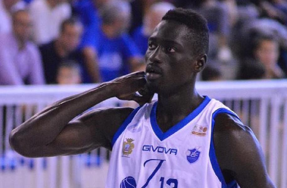 https://www.basketmarche.it/immagini_articoli/03-08-2020/giulianova-basket-piace-lungo-janus-fabriano-thiam-600.jpg