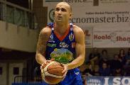 https://www.basketmarche.it/immagini_articoli/03-08-2020/sutor-montegranaro-ruolo-playmaker-piace-simone-bonfiglio-120.jpg
