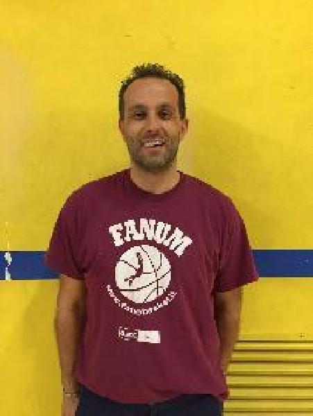 https://www.basketmarche.it/immagini_articoli/03-08-2020/ufficiale-luca-fabbri-allenatore-marotta-basket-600.jpg