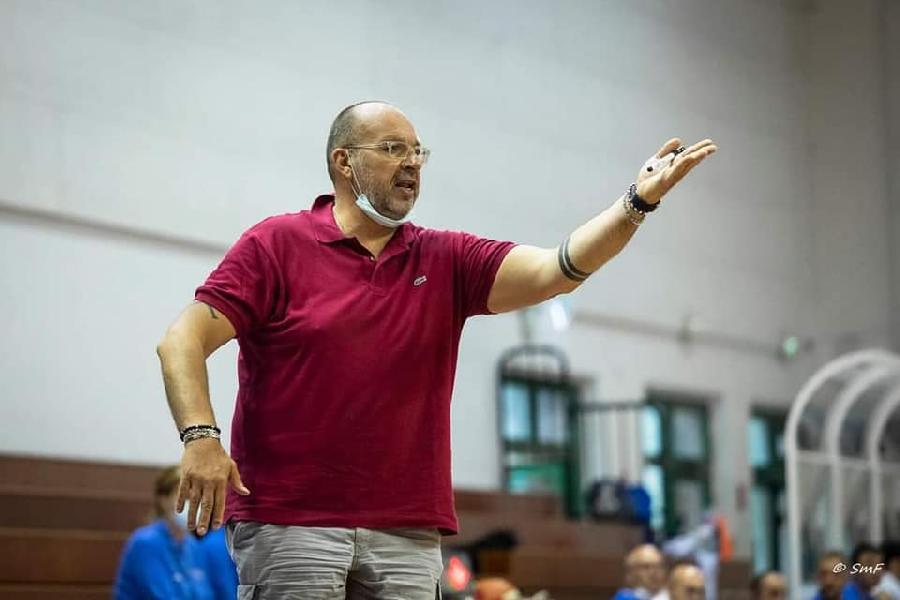 https://www.basketmarche.it/immagini_articoli/03-08-2021/ufficiale-coach-carlo-renzi-confermato-guida-pallacanestro-acqualagna-600.jpg