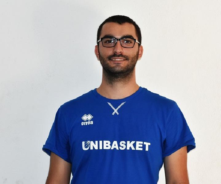 https://www.basketmarche.it/immagini_articoli/03-09-2018/under-eccellenza-matteo-iorio-allenatore-unibasket-pescara-600.jpg