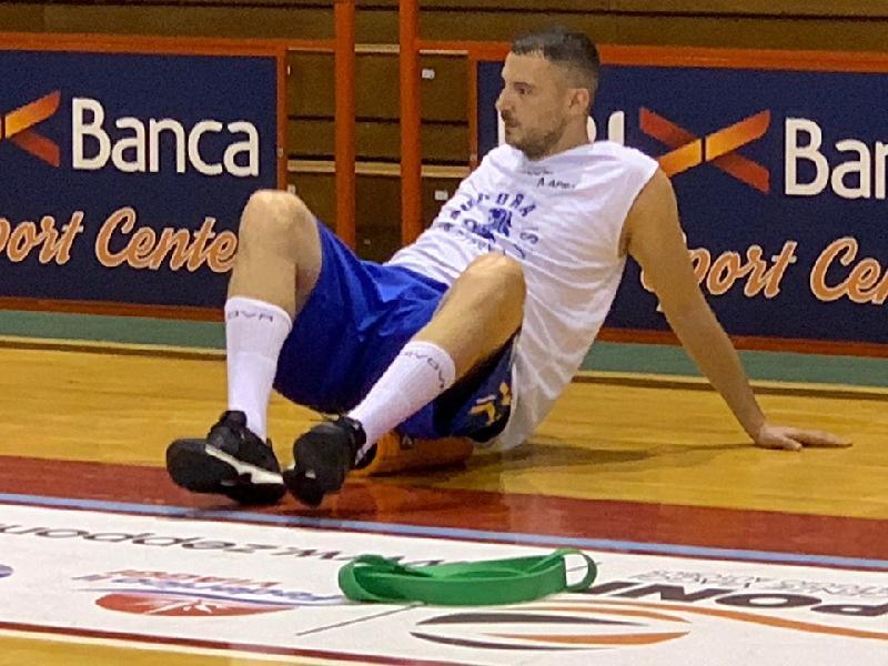 https://www.basketmarche.it/immagini_articoli/03-09-2019/aurora-jesi-ferma-marko-micevic-problema-muscolare-600.jpg