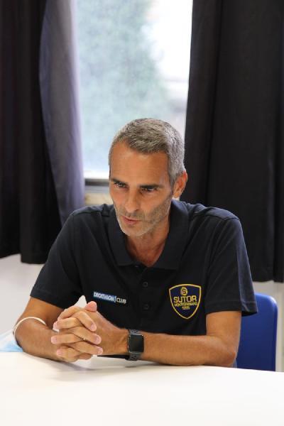 https://www.basketmarche.it/immagini_articoli/03-09-2021/sutor-montegranaro-coach-baldiraghi-crespi-recupero-korsunov-ancora-problemi-ginocchio-600.jpg