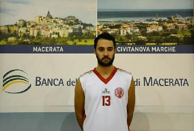 https://www.basketmarche.it/immagini_articoli/03-10-2017/d-regionale-memorial-toti-barone-il-basket-maceratese-si-aggiudica-il-torneo-270.jpg