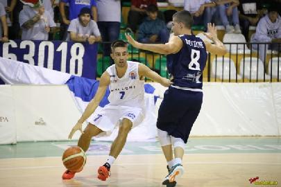 https://www.basketmarche.it/immagini_articoli/03-10-2017/serie-b-nazionale-coach-domizioli-pselpidio-partiti-col-piede-giusto-ma-a-senigallia-sarà-durissima-270.jpg