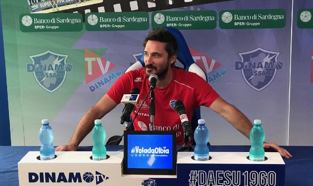 https://www.basketmarche.it/immagini_articoli/03-10-2019/dinamo-sassari-coach-pozzecco-squadra-crescendo-trento-esame-importante-600.jpg