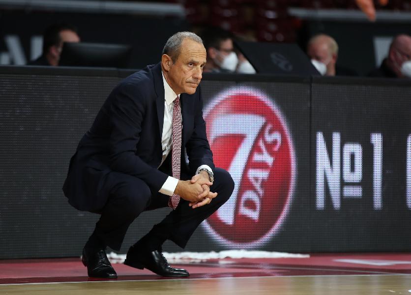 https://www.basketmarche.it/immagini_articoli/03-10-2020/olimpia-milano-coach-messina-bayern-stata-partita-difficilissima-sono-contento-600.jpg