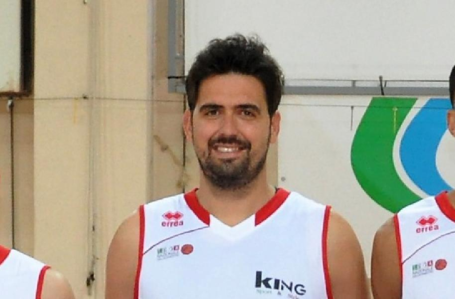 https://www.basketmarche.it/immagini_articoli/03-10-2020/senigallia-capitan-pierantoni-siamo-squadra-giovane-vuole-pazienza-risultati-arriveranno-600.jpg