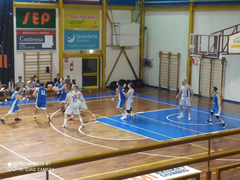 https://www.basketmarche.it/immagini_articoli/03-10-2021/coppa-centenario-pallacanestro-ellera-passa-campo-basket-gubbio-vola-final-four-600.jpg