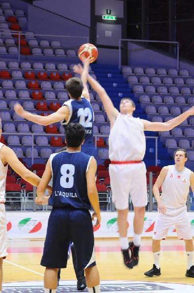 https://www.basketmarche.it/immagini_articoli/03-11-2018/basket-aquilano-espugna-nettamente-campo-chieti-basket-600.jpg