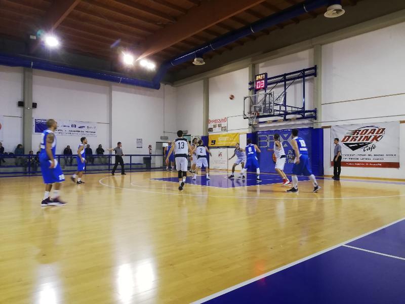 https://www.basketmarche.it/immagini_articoli/03-11-2018/montemarciano-corsara-pesaro-arriva-terza-vittoria-consecutiva-600.jpg