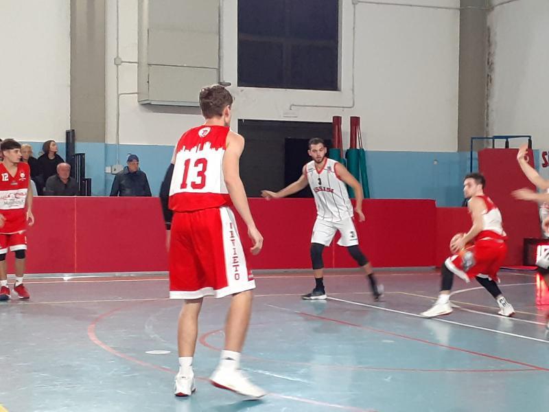 https://www.basketmarche.it/immagini_articoli/03-11-2019/basket-assisi-regola-coriaceo-orvieto-basket-rimane-punteggio-pieno-600.jpg