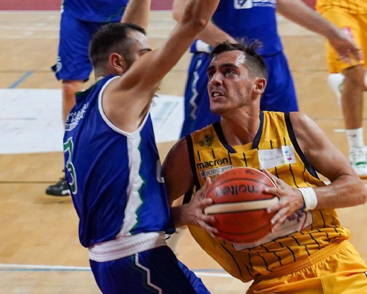 https://www.basketmarche.it/immagini_articoli/03-11-2019/pallacanestro-recanati-riccardo-cuccoli-siamo-rimasti-compatti-anche-momenti-difficili-600.jpg