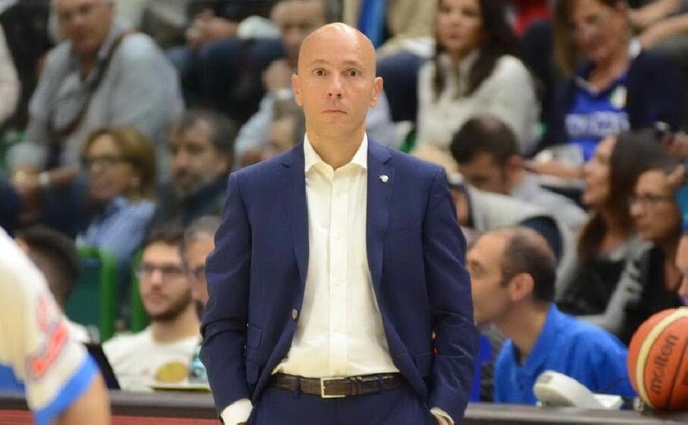 https://www.basketmarche.it/immagini_articoli/03-11-2020/sassari-stefano-sardara-coach-pozzecco-nessun-problema-questi-tempi-serve-prudenza-600.jpg