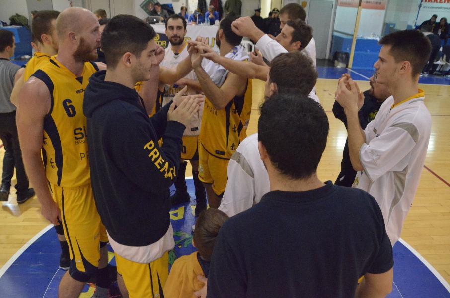 https://www.basketmarche.it/immagini_articoli/03-12-2018/sutor-montegranaro-doma-fatica-buon-isernia-basket-600.jpg