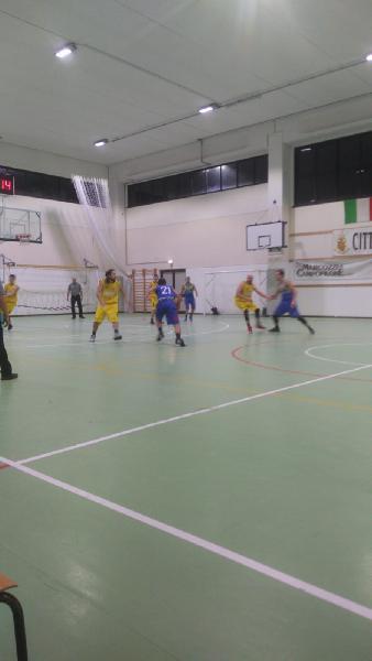 https://www.basketmarche.it/immagini_articoli/03-12-2018/victoria-fermo-esce-sconfitta-derby-basket-fermo-600.jpg