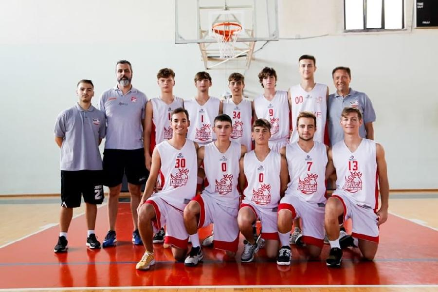 https://www.basketmarche.it/immagini_articoli/03-12-2019/under-regionale-uisp-palazzetto-perugia-supera-basket-todi-600.jpg