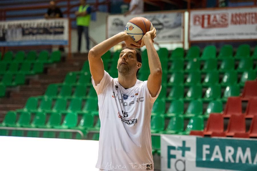 https://www.basketmarche.it/immagini_articoli/03-12-2020/janus-fabriano-luca-garri-montegranaro-abbiamo-messo-primo-mattoncino-adesso-fermiamoci-600.jpg