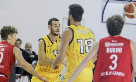 https://www.basketmarche.it/immagini_articoli/04-01-2018/serie-a2-buon-test-amichevole-per-il-basket-recanati-contro-l-aurora-jesi-270.jpg