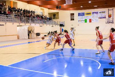 https://www.basketmarche.it/immagini_articoli/04-01-2018/serie-a2-femminile-la-feba-civitanova-attendono-la-visita-dei-tigers-rosa-forlì-270.jpg